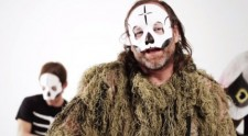 Tre_allegri_ragazzi_morti-video-Nel_giardino_dei_fantasmi