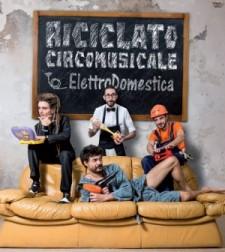 riciclato-circo-musicale-elettrodomestica-cover-300x336