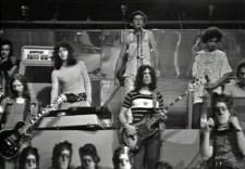 Franco_Battiato_con_il_suo_gruppo_nel_1972