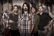 foo-fighters-band-2015-570x387