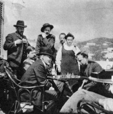11 - Lenin-playing-chess-with-Bogdanov-